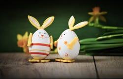 De achtergrond van Pasen met eieren Stock Afbeeldingen