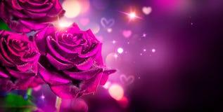 De achtergrond van rozen en van Harten Rood nam toe Stock Fotografie