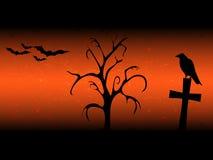 De achtergrond van Scarryhalloween met sillhouette oude boom, kruis, raaf en knuppelssinaasappel Royalty-vrije Stock Foto's