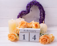 De achtergrond van vakantie 14 Februari met bloemen Stock Foto