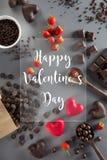 De achtergrond van de valentijnskaartendag met rode en donkere chocolade, harten a Royalty-vrije Stock Foto's