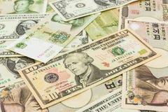 De achtergrond van wereldbankbiljetten Royalty-vrije Stock Afbeeldingen