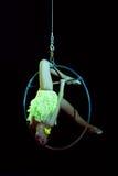 De acrobatiek van het circus Stock Afbeeldingen