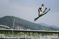 De Actie van de Sprong van vrouwen - Alexandra Lauretano Stock Foto's