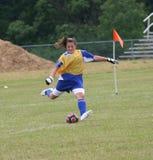 De Actie van Goalie van het Voetbal van de Jeugd van de tiener Royalty-vrije Stock Afbeelding