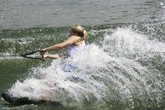 De Actie van Shortboard van vrouwen - Mandy Nightingale Stock Afbeelding