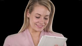 De actieve tablet van de bedrijfsvrouwenholding, Alpha Channel stock footage