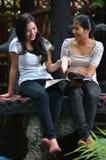 De Activiteit en de Vriendschap van meisjes Stock Afbeeldingen