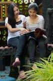 De Activiteit en de Vriendschap van meisjes Stock Foto's