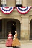 De actoren kleedden zich als Dames van Federatie in Charlottetown in Ca royalty-vrije stock foto