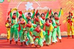 De actoren presteren tijdens het Chinese Nieuwjaar Royalty-vrije Stock Foto's