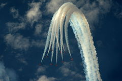 De aerobatic vertoning van RAF Red Arrows in Southport 2016 royalty-vrije stock afbeeldingen