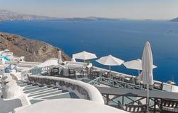De afdaling in Oia, Santorini, Griekenland Stock Foto