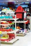 De afdeling van het babymateriaal voor verkoop stock afbeeldingen