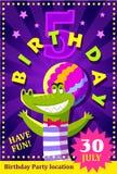 De affiche of de vlieger van de verjaardagspartij voor jonge geitjes met een leuke krokodil Royalty-vrije Stock Foto
