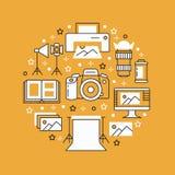 De affiche van het fotografiemateriaal met vlakke lijnpictogrammen Digitale camera, foto's, verlichting, videocamera's, fototoebe vector illustratie