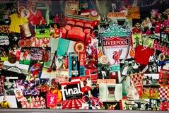 De Affiche van Liverpool bij stadion Anfield Stock Foto's