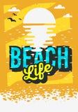 De Afficheontwerp van de strandzomer met Zonsopgang boven de Waterillustratie Stock Fotografie