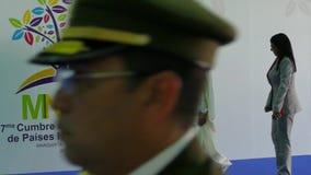 De Afgevaardigdeeerste minister Ahmad Abdullah Al Mahmoud van Qatar en Venezolaanse President Nicolas Maduro stock footage