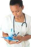 De Afrikaanse Amerikaanse zwarte stethoscoop van de artsenverpleegster Stock Foto's