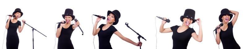 De Afro-Amerikaanse vrouwelijke die zanger op wit wordt geïsoleerd Royalty-vrije Stock Afbeelding