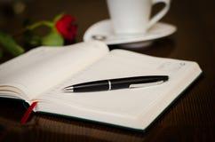 Romantische coffe terwijl het schrijven Stock Foto