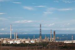 15 DE AGOSTO - AIE 2018 - SARAS - la refinería de Sarroch es una de las refinerías más grandes y más complejas de Europa fotografía de archivo