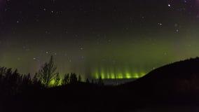 30 de agosto de 2016 - Aurora Borealis ou a aurora boreal iluminam o céu noturno de Kantishna, Alaska - MNT Parque nacional de De Foto de Stock Royalty Free
