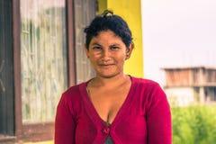 26 de agosto de 2014 - mujer nepalesa en Sauraha, Nepal Foto de archivo