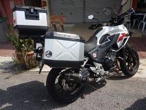 14 de agosto, Kuala Lumpur, Malásia Honda CB500x na estrada Imagens de Stock