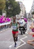 6 de agosto ` 17 - maratón de los campeonatos del atletismo del mundo de Londres: MGhebrezgiaghier KIBROM imágenes de archivo libres de regalías