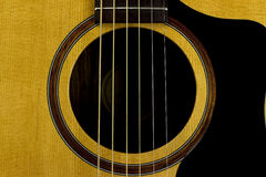 De akoestische gitaarhals fingerboard ergert van het het geval de dichte inlegsel van de koordenmuziek van de de creativiteitkuns stock foto