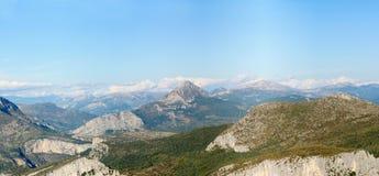 De alpen in de Provence Stock Afbeeldingen