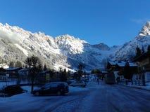 De Alpen en de sneeuw zijn onafscheidelijk Stock Fotografie