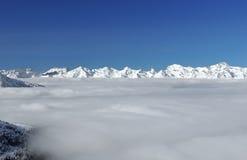 De Alpen van Bernese en deken van wolk Royalty-vrije Stock Foto's