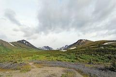 De Alpen van de nauwe vallei Stock Foto's