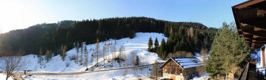 De Alpen van de winter stock afbeeldingen