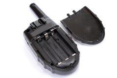 De amateur enig-Waaier radioreeks ligt met een open dekking van een compartiment voor batterijen op een witte achtergrond royalty-vrije stock afbeelding