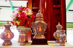 De ambacht Benjarong is traditionele Thaise vijf basiskleurenstijl pott royalty-vrije stock afbeelding