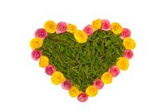 De ambacht van de hartvorm met kleurendocument en Kerstmisboom die wordt gemaakt royalty-vrije stock afbeelding