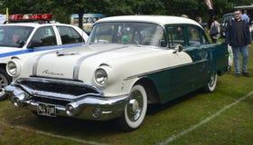 1956 de Amerikaanse klassieke auto van Pontiac Royalty-vrije Stock Afbeeldingen