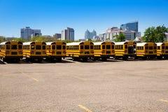 De Amerikaanse typische achtermening van de schoolbus in Houston Stock Foto's