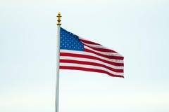 De Amerikaanse Vlag in de Vlag van het gebiedsbelgië WaregemAmerican van Vlaanderen op het gebied België Waregem van Vlaanderen stock fotografie