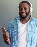 De Amerikaanse zakenman van modieuze Afro royalty-vrije stock foto