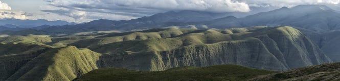 De Andes rond Tarija Stock Afbeeldingen
