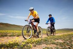 De andventureconcurrentie van de bergfiets Stock Fotografie