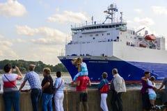 De Anglia sjövägarna som lämnar port Royaltyfri Bild