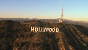 De antenne van het gezoem uit hollywood teken stock footage