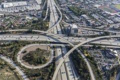 De Antenne van Los Angeles van Glendale en Ventura Freeways Interchange Stock Afbeeldingen