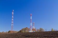 De antennes van TV van de telecommunicatiemast Royalty-vrije Stock Fotografie
